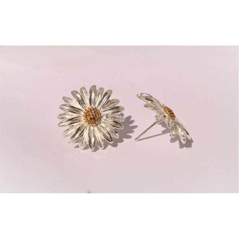 Silver Daisy Stud Earrings