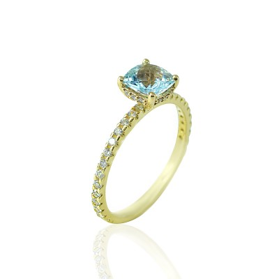 Gold Ring with Topaz Aqua stone