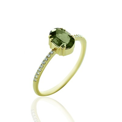 Gold Ring with Green Turmaline Stone